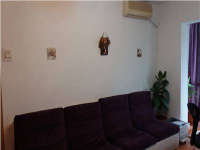 Apartament trei camere de vanzare zona Baraolt Vest