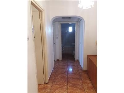 Apartament doua camere de vanzare zona Bul. Bucuresti